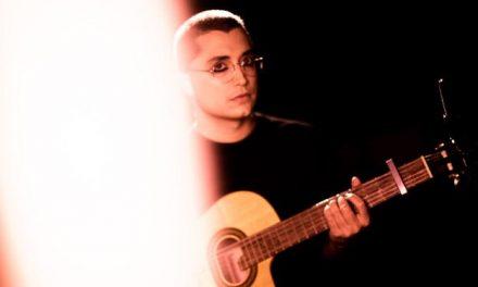 Arthur Nogueira canta os mistérios de Caetano Veloso em show virtual