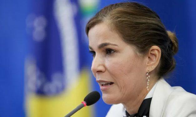 """CPI tem """"capitã cloroquina"""" e pressão de bolsonaristas sobre governadores"""