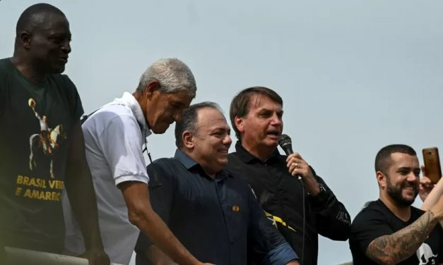 Aparato da PM em passeio de moto de Bolsonaro custou ao menos R$ 545 mil