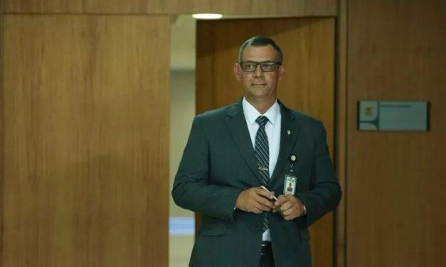 Ex-porta-voz de Bolsonaro diz que governo interfere nas Forças Armadas e PF