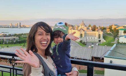 Em aventura na Transiberiana, brasileira percorre a Rússia de trem com filha de 2 anos
