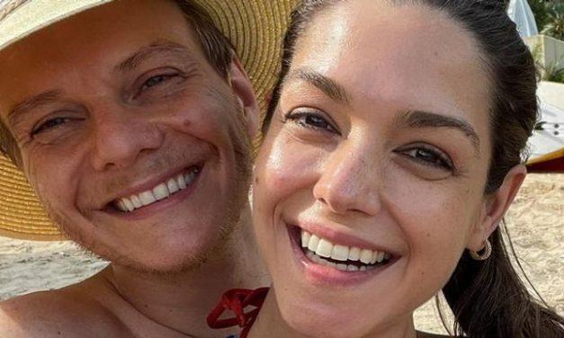 """Thais Fersoza curte chamego com o marido, Michel Teló: """"Colinho mais gostoso do mundo"""""""
