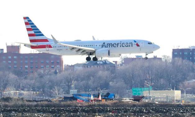 American Airlines suspende álcool a bordo após confusões em voos