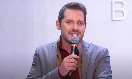 """Diretor do SBT comenta escolha de Dony De Nuccio para o Te Devo Essa: """"Óbvia"""""""