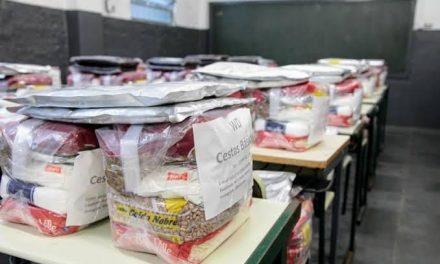 Prefeitura entrega kits de alimentação escolar com 15 itens no início de junho