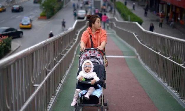 China: Por que chinesas não querem engravidar, apesar de fim da política do filho único