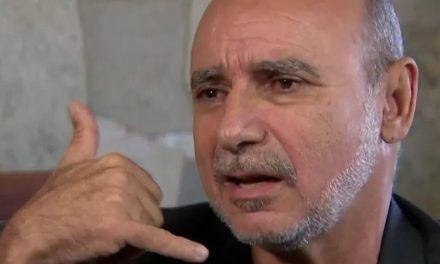 """Denunciado, Queiroz quer ser deputado federal e comenta: """"boa ideia"""""""