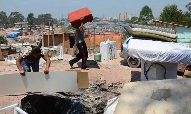 Barroso suspende despejo de vulneráveis e desocupação de áreas habitadas antes da pandemia