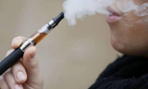 Cigarros eletrônicos não são diferentes do tabagismo e também podem causar dependência
