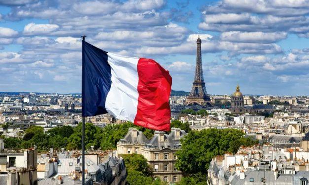 Com controle da epidemia, França quer acelerar expulsões de clandestinos