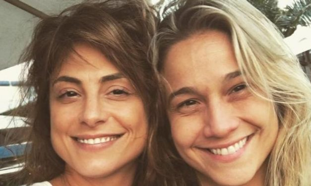 """Fernanda Gentil e Priscila Montandon adotam cachorrinha: """"Nossa primeira filha chegou"""""""