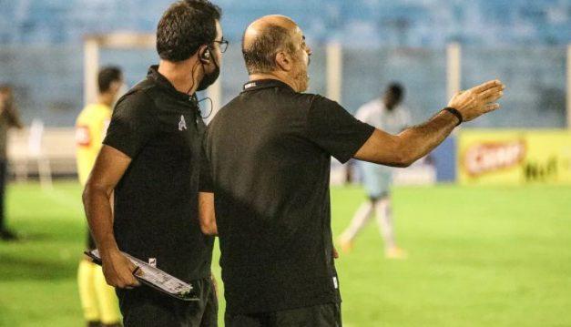 """Eutrópio comemora atuação e resultado diante do Jacuipense por """"respiro de vitória"""" no Papão"""