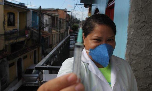 Nos hospitais e na imunização, empatia move voluntários na pandemia da covid-19