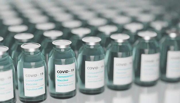 Vacina da Novavax tem eficácia de 90% contra Covid-19, aponta estudo preliminar
