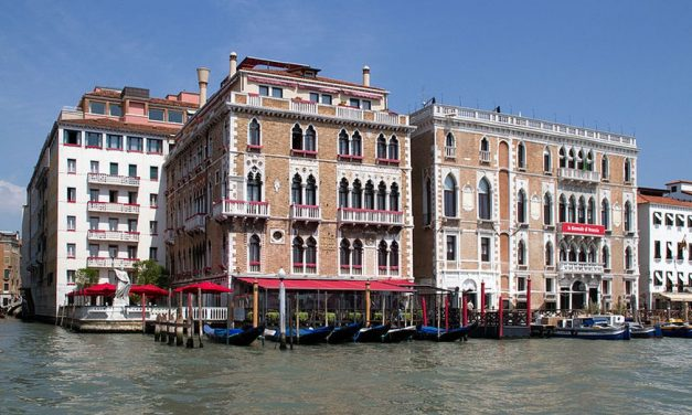 Turista morre ao cair do 5º andar de hotel de luxo em Veneza