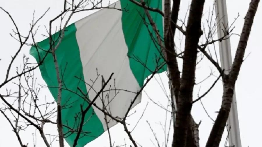 80 alunos de escola são sequestrados em ataque na Nigéria; policial é morto
