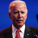 Biden celebra marca de 300 mi de vacinas aplicadas, e ressalta risco de variante
