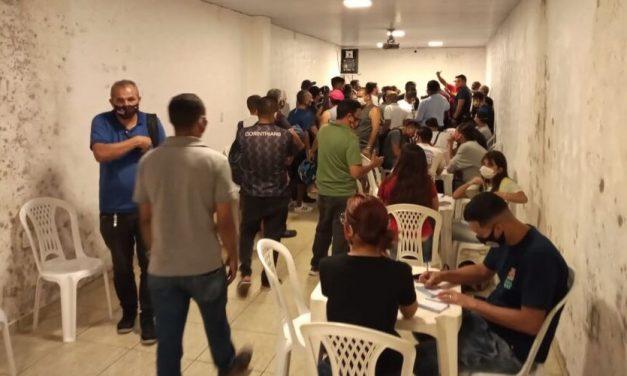 Rodoviários se vacinam contra a covid-19 em Belém