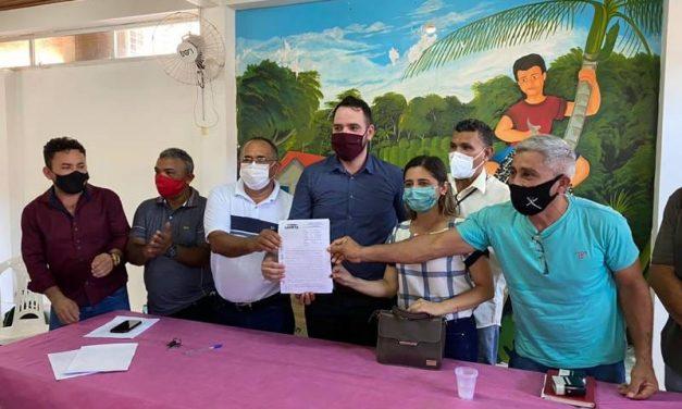 Adepara assina termo de cooperação para beneficiar agroextrativistas