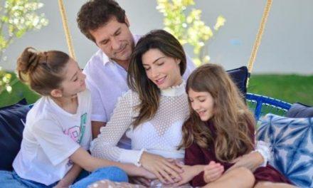 """Cantor Daniel anuncia gravidez da esposa: """"A família vai aumentar"""""""
