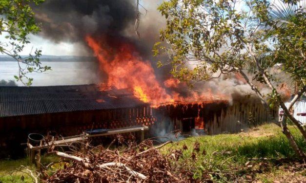 Explosão do garimpo em terra indígena deixa 4 lições sobre como a devastação avança na Amazônia