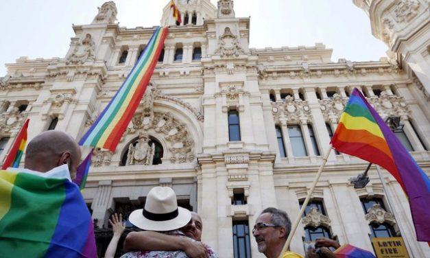 Governo da Espanha vai propor lei que permite que pessoas acima de 14 definam o gênero