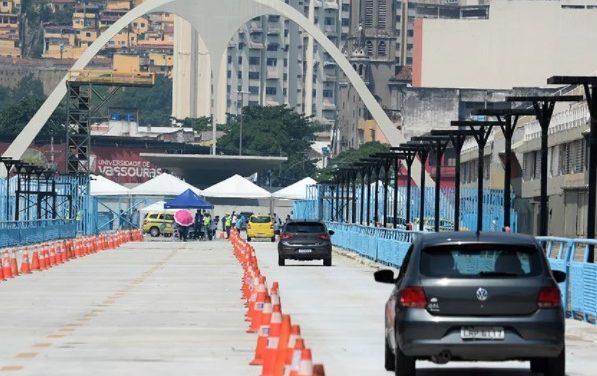 Prefeitura do Rio de Janeiro desativa posto drive-thru de vacinação no Sambódromo