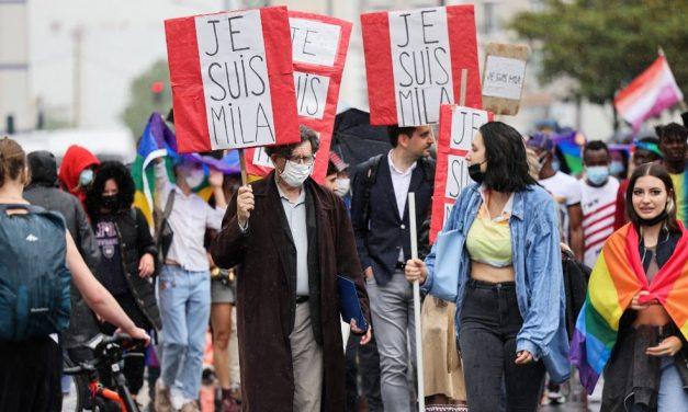 França aprova reprodução assistida para casais de mulheres e solteiras após dois anos de manifestações