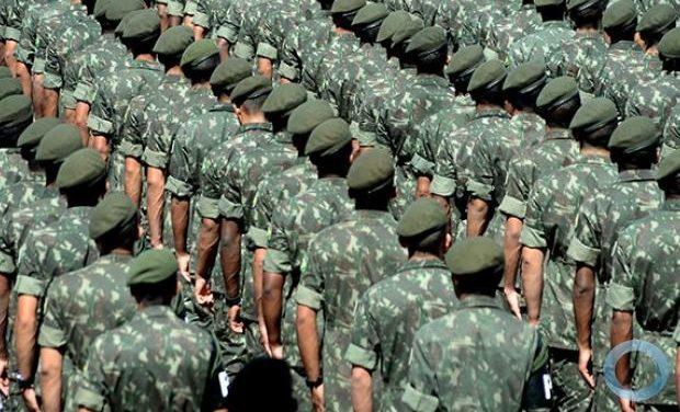 União pagou R$ 19 bi de pensão a parentes de militares