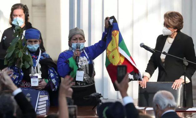 Mulher mapuche é escolhida para comandar elaboração da nova Constituição do Chile