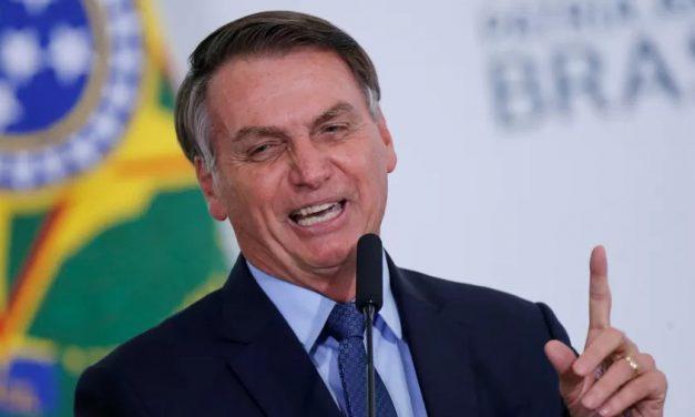 "Bolsonaro volta a atacar Barroso: ""Defende a pedofilia"""