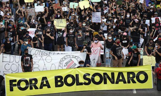 Pela primeira vez, maioria defende abertura de impeachment de Bolsonaro, diz Datafolha