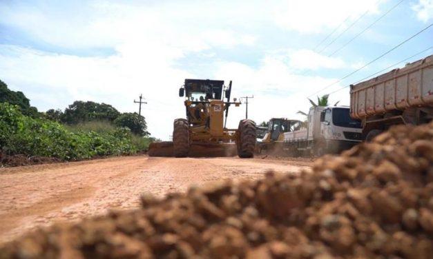Governo inicia serviços de pavimentação na PA-256, entre Tomé-açu e Tailândia
