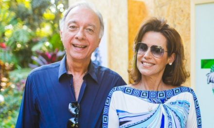 Casal que tomou 3ª dose tem empresas de luxo e foto em ato contra Dilma