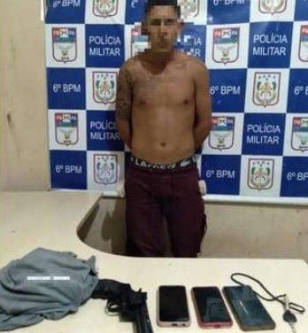 Homem é preso com arma e celulares roubados em Ananindeua