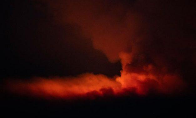 EUA têm evacuações no oeste por causa de grandes incêndios e previsão de raios