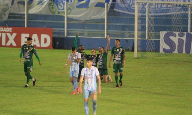 Com um gol em cada tempo, Paysandu e Altos ficam no empate em Belém