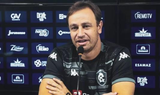 """Felipe Conceição elogia Remo em mais uma vitória: """"É a atitude, empenho e entrega dos atletas"""""""
