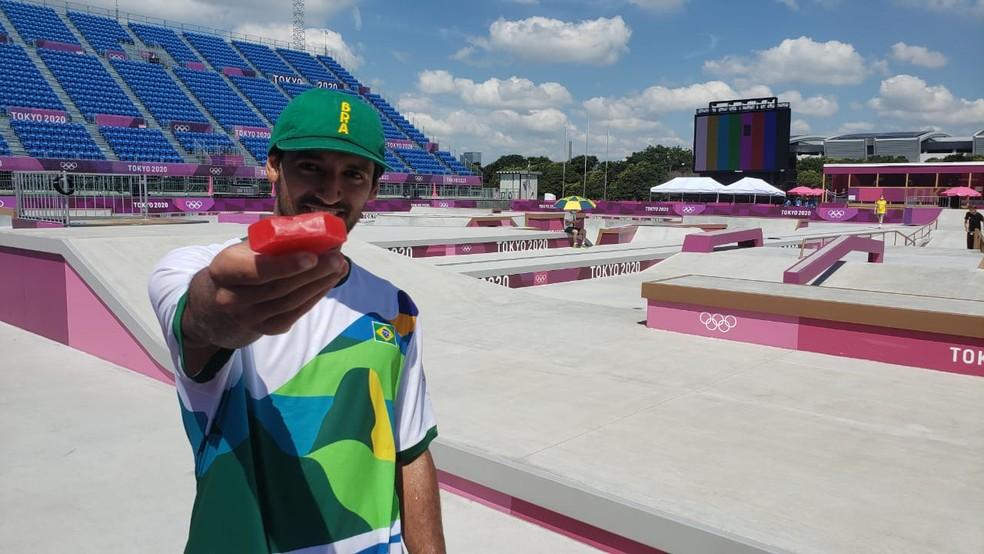 """Kelvin Hoefler, esperança de pódio no skate, reclama da pista de Tóquio: """"Pode machucar"""""""