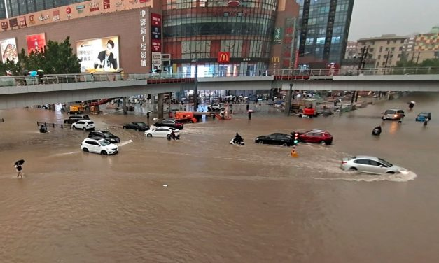 Sobe para 25 o nº de mortos em chuvas torrenciais na China