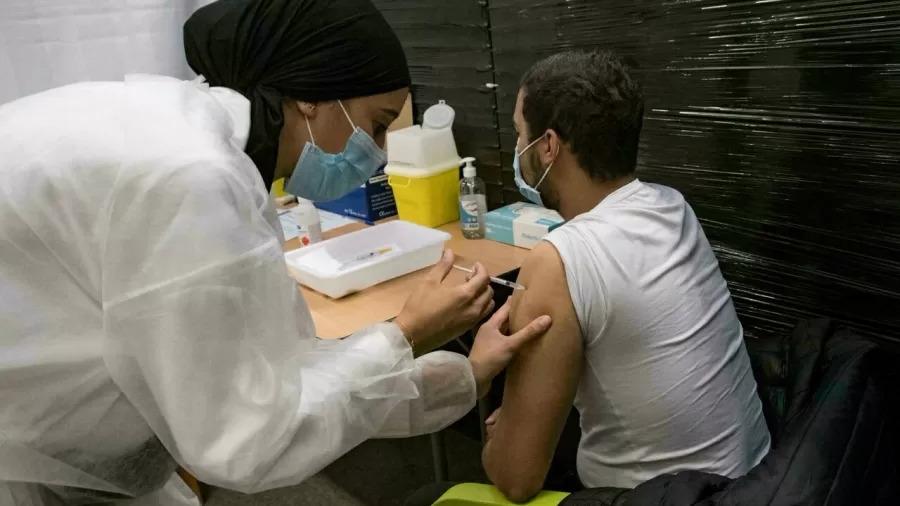 UE ultrapassa marca de 50% dos adultos totalmente vacinados contra a covid-19