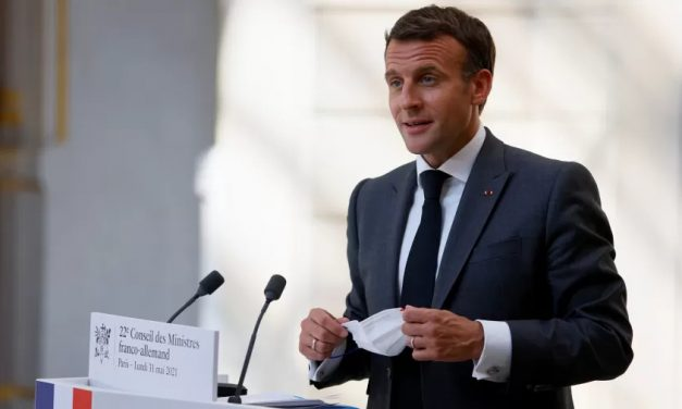 Al Qaeda volta a ameaçar França com atentados; Macron é citado em vídeo