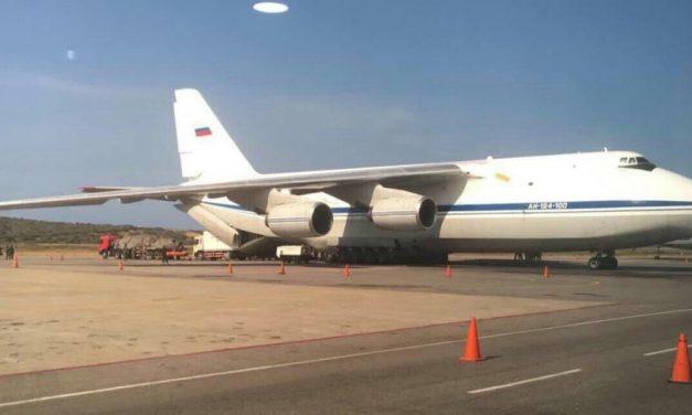 Rússia envia dois aviões de ajuda humanitária a Cuba