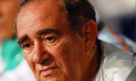 Abalado, Renato Aragão se pronuncia ao ser acusado de tratar mal os funcionários