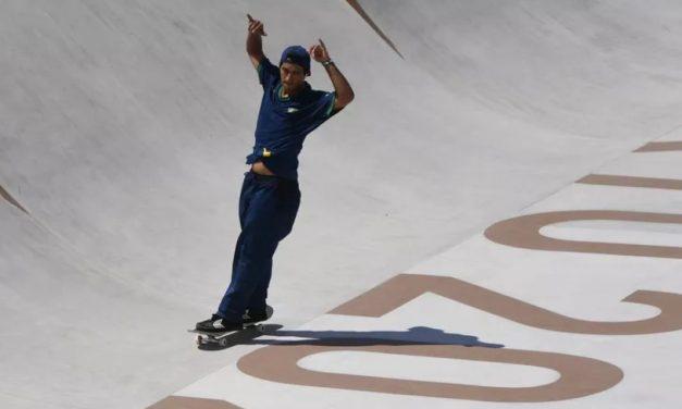 """""""É uma vergonha"""": medalha de prata de Kelvin Hoefler expõe racha no skate do Brasil"""