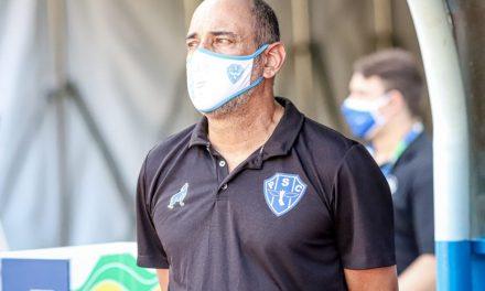 Com menos de três meses, Paysandu demite o técnico Vinícius Eutrópio