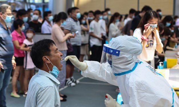 China registra maior nº de novos casos de Covid desde janeiro