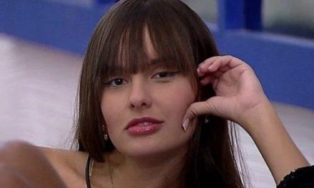 Ex-BBB Thaís Braz impressiona com físico invejável de biquíni e ganha elogios de Rodolffo