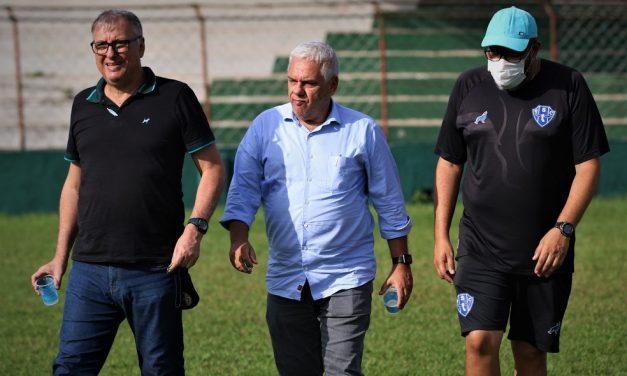 Paysandu se arrisca em troca de técnico, mas ganha experiência e esperança