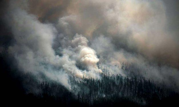 Exaustos, russos pedem ajuda para combater incêndios no lugar mais frio da Sibéria